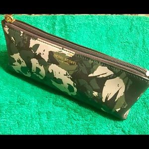 Henri Bendel West 57th Floral Camo Cosmetic case
